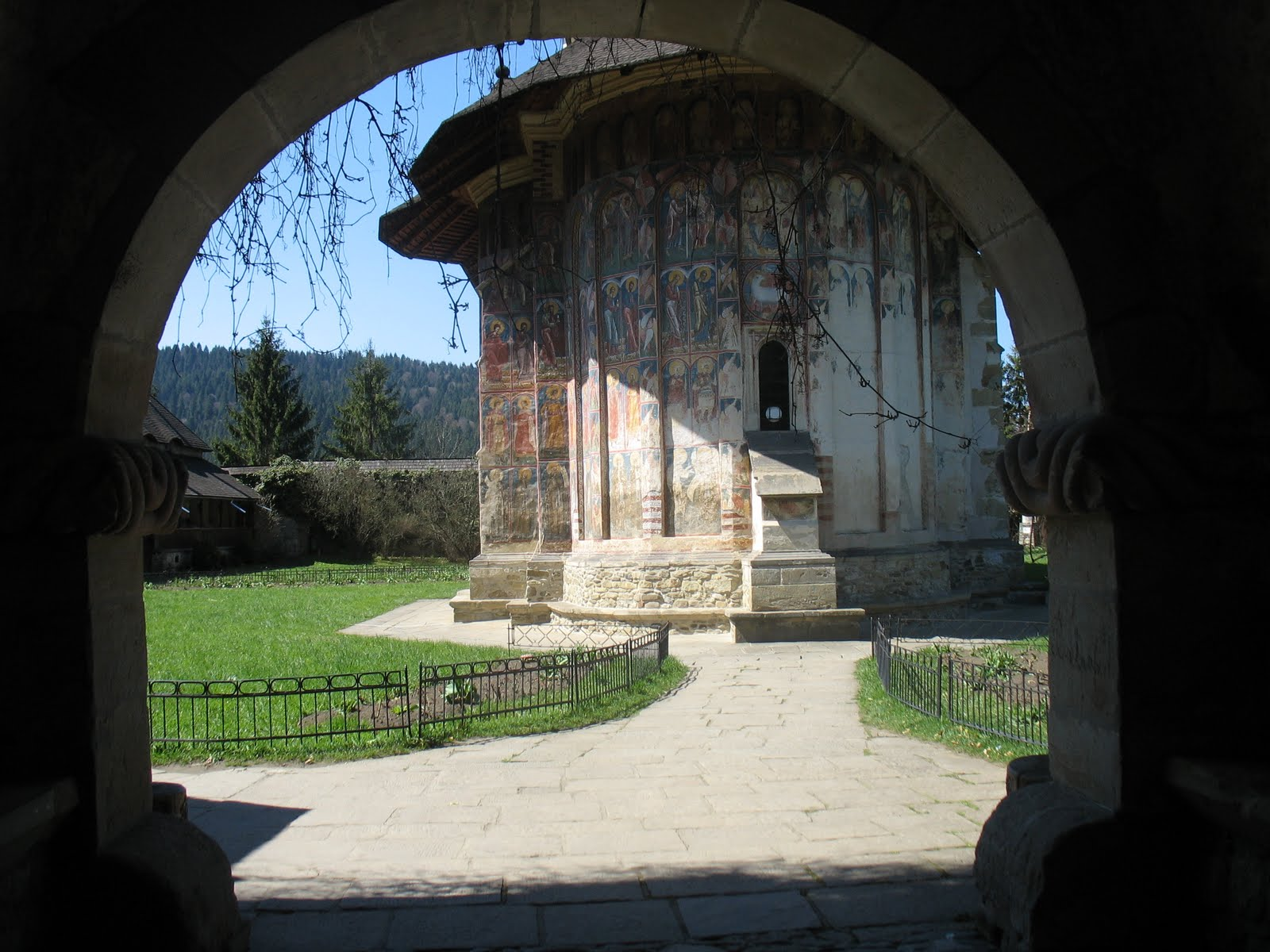 Guided tours to the Painted Monasteries of Bucovina