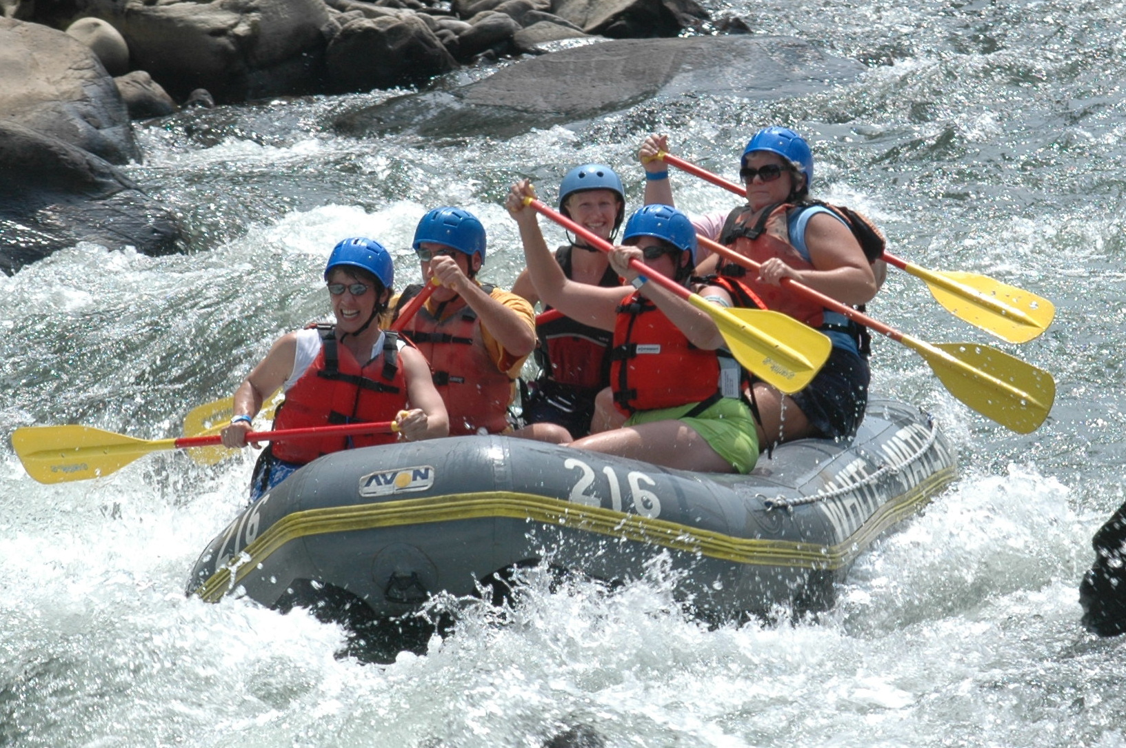 Living the adventure - River rafting on Bistrita River